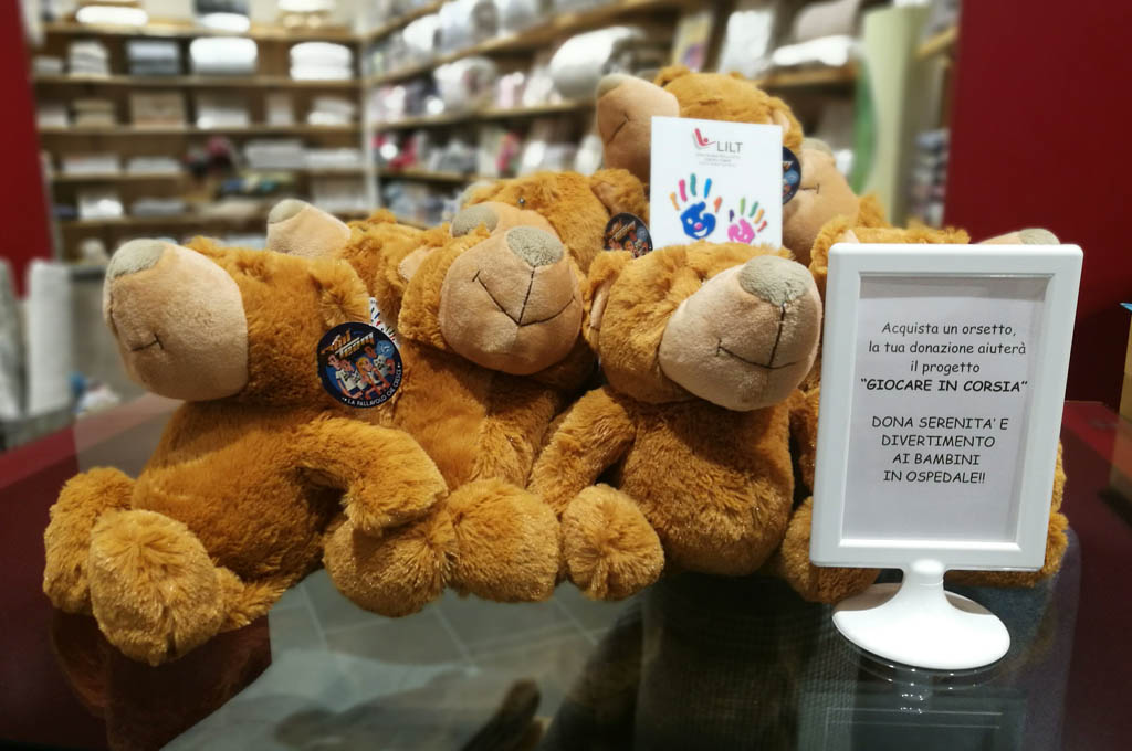 peluche per beneficenza